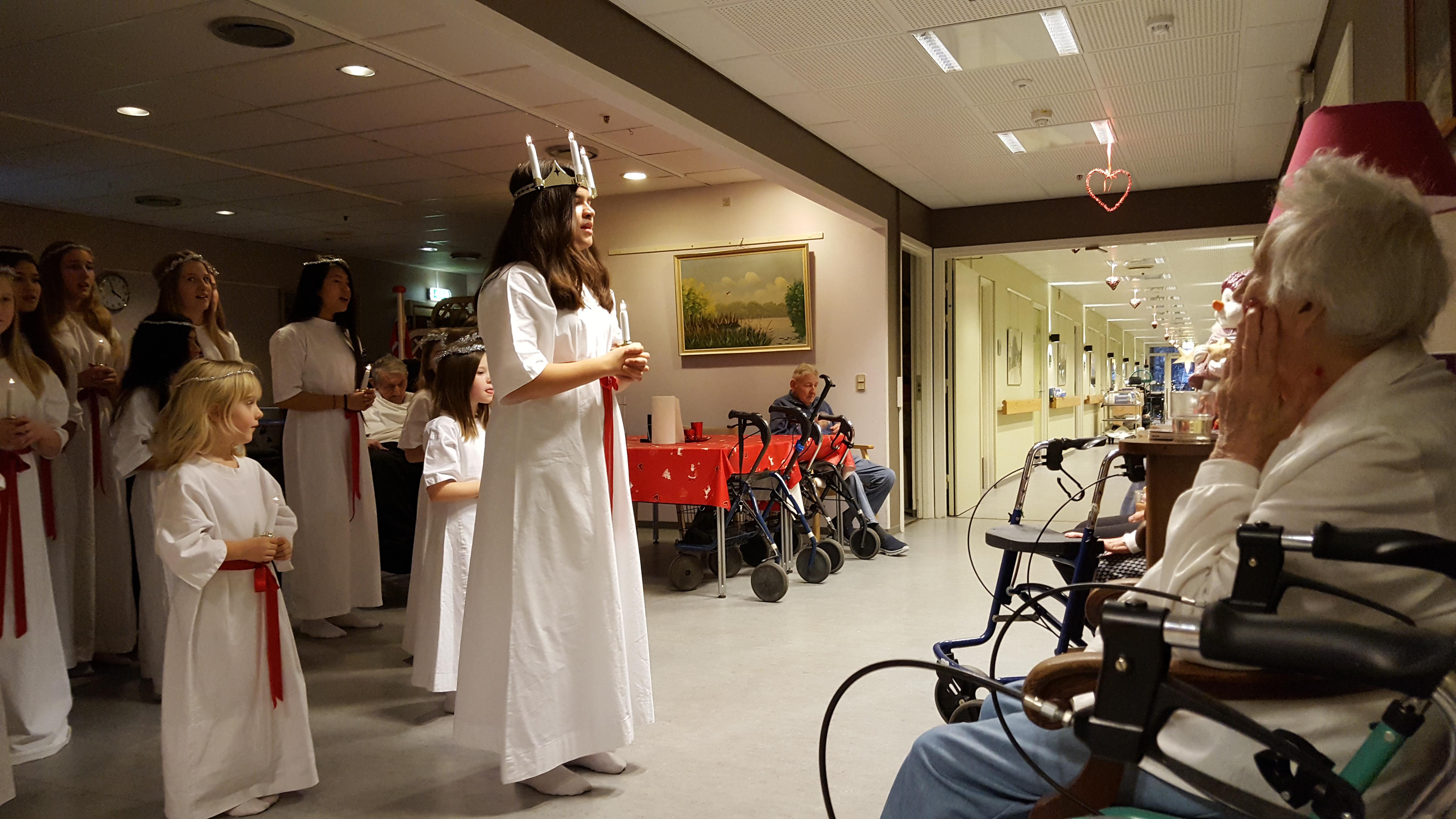 Lucia på plejehjem2